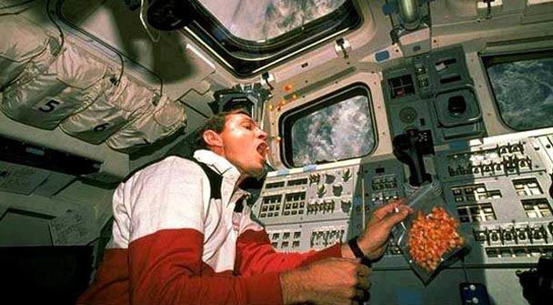 astronotların beslenmesi