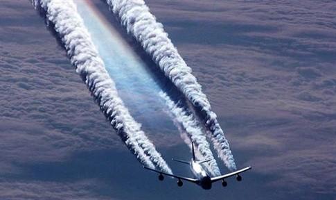 uçaklarda beyaz duman