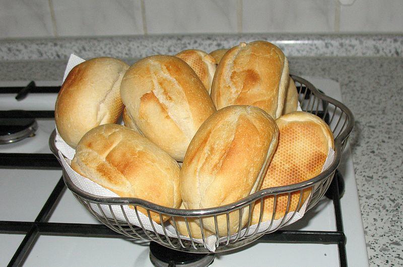 yuvarlak ekmekler
